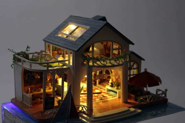 Impression Hawaii DIY Miniature House