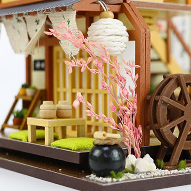 KARUIZAWA'S FOREST HOLIDAYDIY Miniature Dollhouse