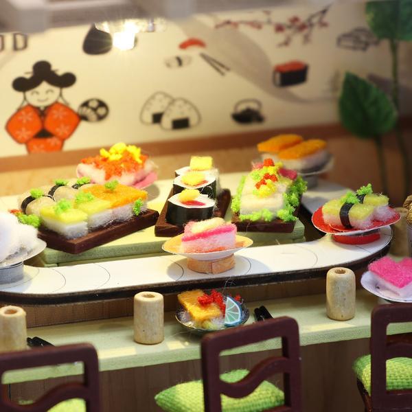 85050b88321664318f80eed27bc12082Gibbon Sushi DIY Miniature Dollhouse Kit