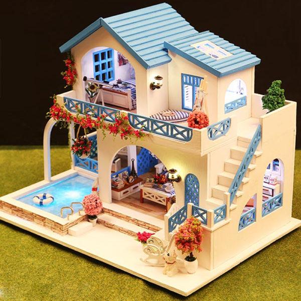 Blue and White Town DIY DollhouseTB1ebNqbynrK1RjSsziq6xptpXaB 600x600 1