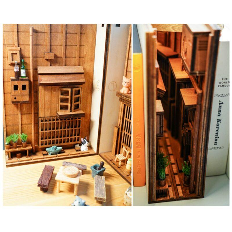 H0d447cf0096b43788d84581b56fc0c5e6Street Rear Lane Miniature Booknook
