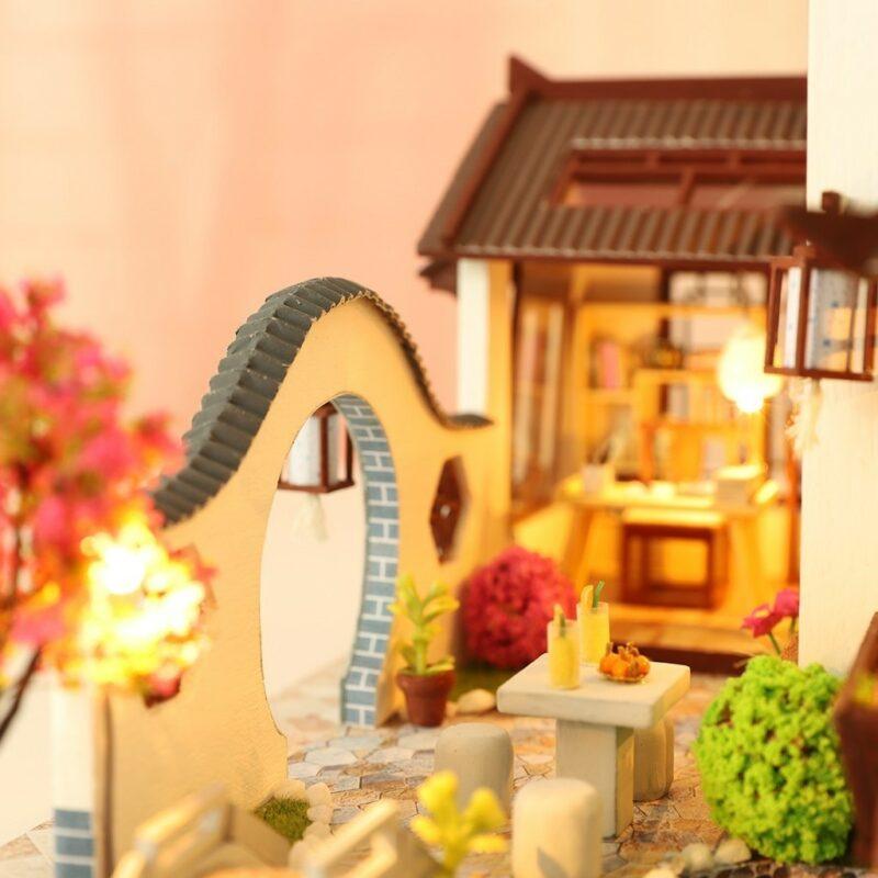 H6f4b575c5e5445c5b78667b2be9462d83Land of idyllic Beauty DIY Dollhouse