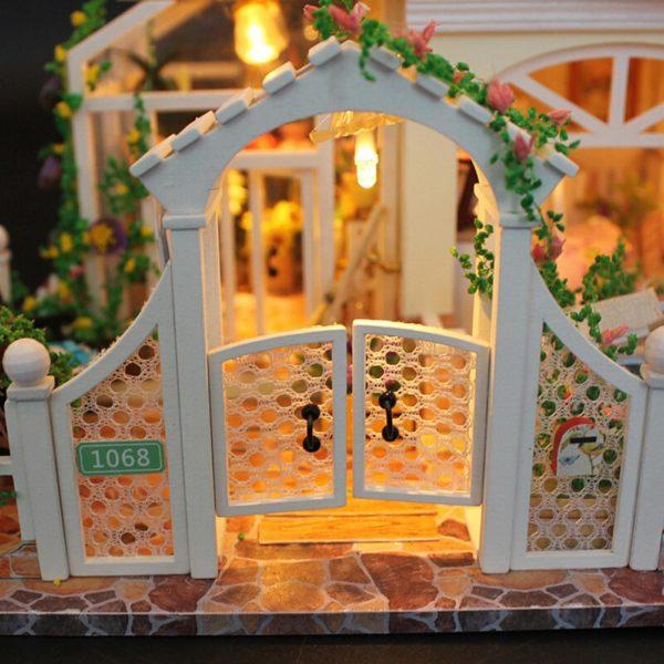 Hcb068b202b264a4aaec1f40fbbd18415j 600x600Princess Villa DIY Miniature Dollhouse Kit
