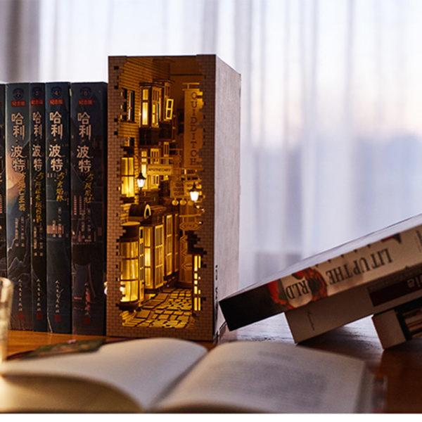 New London Lane Miniature Booknook Toolkit76e972f5d31d4435ac63b9660baf375aA 600x600 1