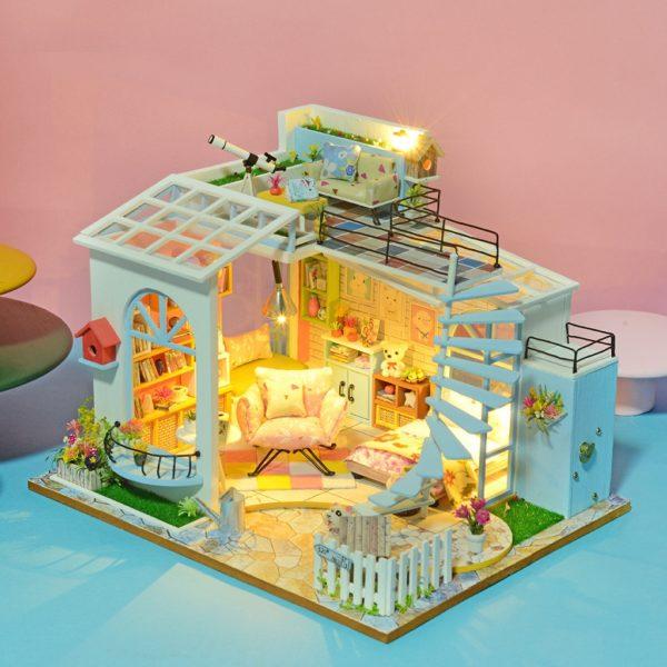 bb5fd2b26aa71ae36b2ac01c42c5549f 600x600Moonlight Rooftop DIY Dollhouse